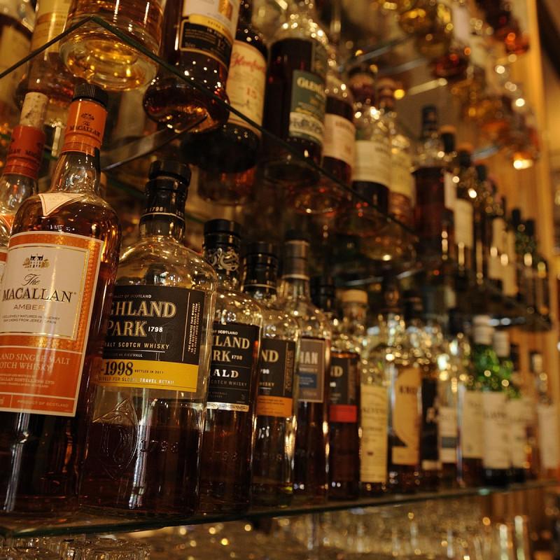 Oscars_Whisky_Slide
